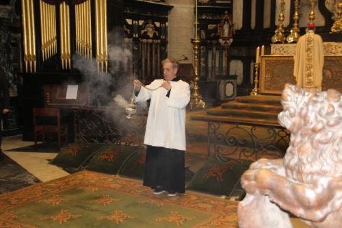 171021-24 Koster Peter Roelants bewierookt ons