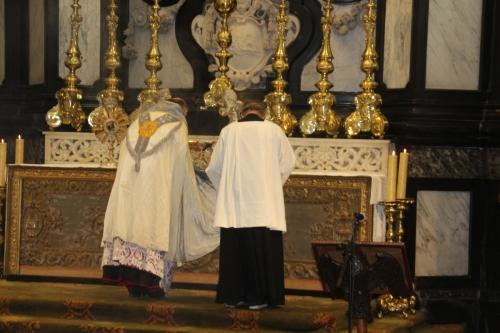 171021-71 Bisschop Liesen en koster Peter Roelants