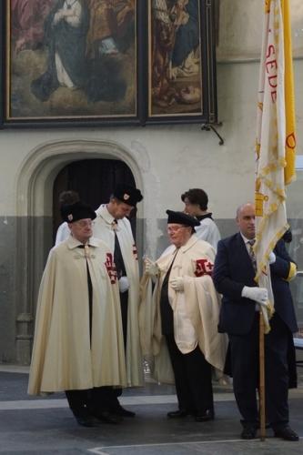 Ridders van het H. Graf en vlag van het Verbond Pro Petri Sede