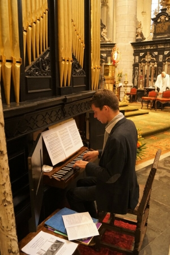 03 Peter Strauven organist